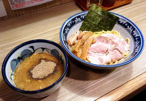 濃厚鶏魚介つけ麺 秋葉原 楽